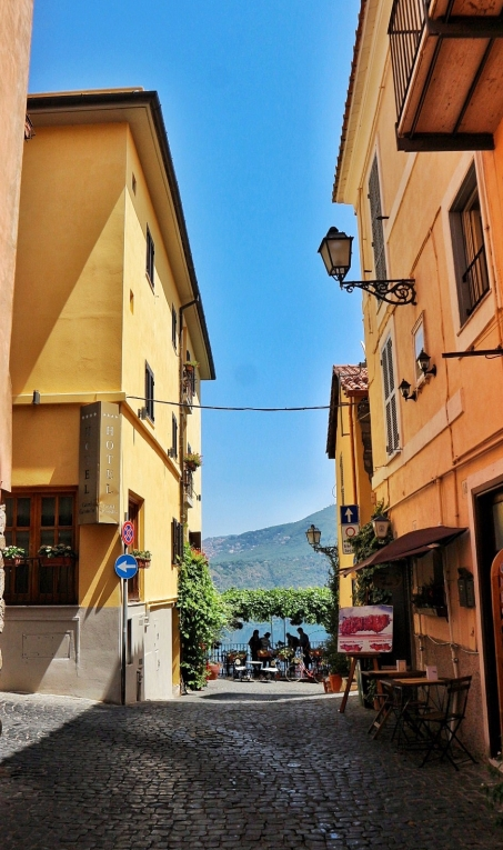 Castel Gandolfo - side street