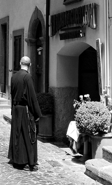 rome_gandolfo_priest